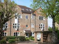2 bedroom Flat in Overton Road, Sutton, SM2