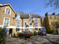 Flat for sale in Water Lane...
