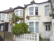 3 bedroom house in Fircroft Road, London...