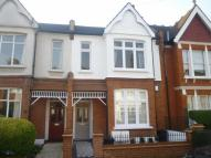 2 bedroom Flat in Lucien Road, London, SW17