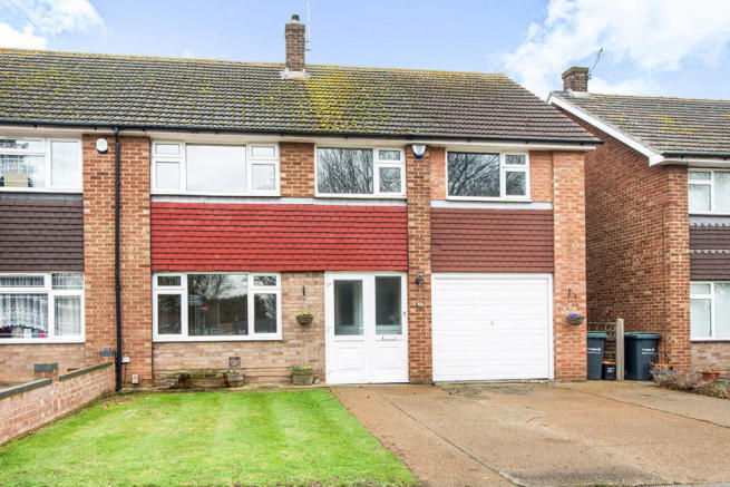 5 Bedroom Semi Detached House For Sale In Thong Lane