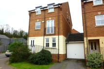 Detached property in Helegan Close, Orpington...