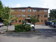 Flat for sale in Oakwood Court Lawn Close...