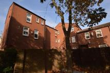 Flat for sale in Parkway, Erith, DA18