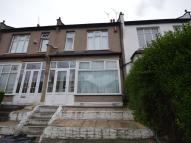 3 bedroom house in Basildon Road, London...