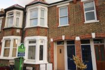 2 bedroom Flat in Hawthorn Road...
