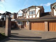 4 bedroom Detached property for sale in Avenue Road, Erith, DA8