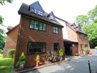 Flat for sale in Crittenden Lodge Pond...