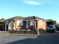 2 bed Detached Bungalow in Downs Close...