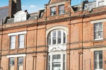 2 bedroom Flat in Sandgate Road...