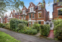 3 bed Flat for sale in Bouverie Road West...