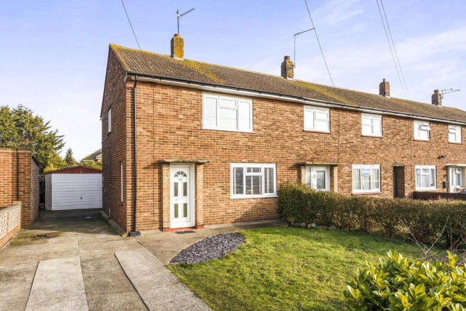 2 bedroom terraced house for sale in coats avenue for Whats a terrace house