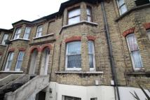 Flat for sale in Trafalgar Road...