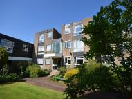 Flat for sale in Showfields Road...