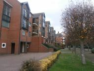 Flat in Riverdene Place...