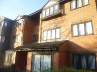 1 bedroom Flat in Wordsworth Drive, Sutton...