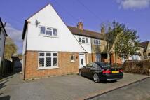 4 bed semi detached home in Manor Way, North Harrow