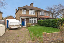 Erridge Road property to rent