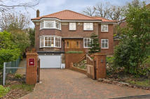 Detached home in Bathgate Road, Wimbledon