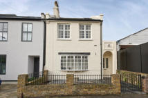 3 bedroom house for sale in Russell Road, Wimbledon