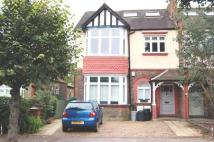 Flat to rent in Merton Hall Road...