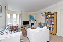 Maisonette to rent in Wycliffe Road, Wimbledon