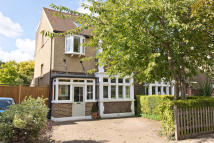 5 bed property in Mostyn Road, Merton Park