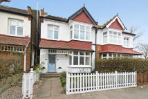 1 bed Flat for sale in Cliveden Road, Wimbledon