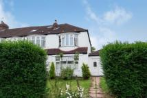 3 bedroom End of Terrace property for sale in Crossway, Raynes Park