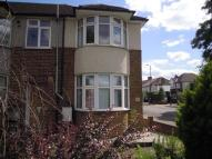 2 bedroom property to rent in Bushey Road, Raynes Park