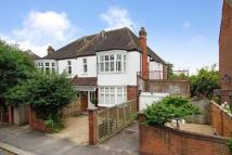 Flat to rent in Oakwood Road...