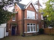 Flat to rent in Cottenham Park Road...