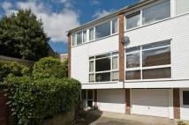 3 bedroom home in Southdown Drive...