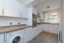 3 bed home to rent in Bronson Road, Raynes Park