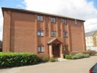 Flat to rent in Gillett Close...
