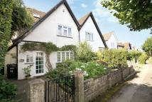 4 bed semi detached home in SOUTH LEATHERHEAD
