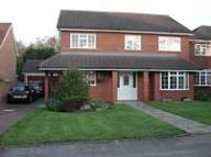 4 bedroom Detached home to rent in Fairlawns Close...