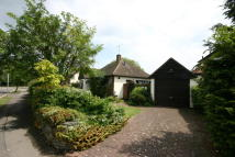 Detached Bungalow for sale in ROWAN WALK, Hornchurch...