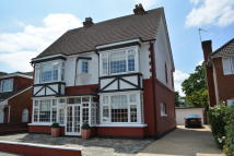 Detached house in WALDEN ROAD, Hornchurch...