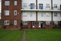 Maisonette to rent in VICTOR APPROACH...
