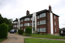 2 bed Flat in MAIN ROAD, Romford, RM1