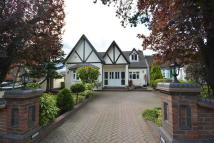 4 bedroom Detached house in ARDLEIGH GREEN ROAD...