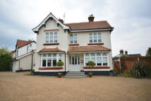 4 bed Detached house in POOLE ROAD, Emerson Park...