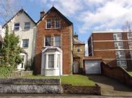 2 bedroom Flat to rent in Manor Road, Wallington...
