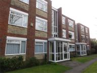 Flat to rent in Spencer Court...