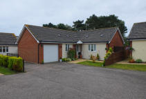 3 bedroom Detached Bungalow in St Christopher Close...