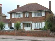 3 bedroom Detached property to rent in Petworth Avenue...