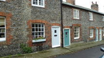2 bedroom Terraced property to rent in Bond Street, Arundel