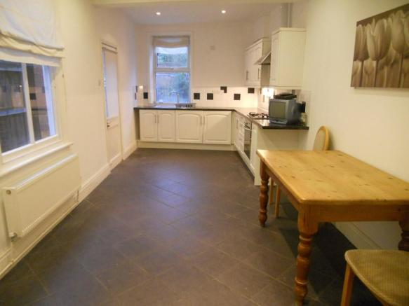 kitchen/ dining are