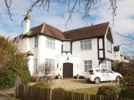 5 bedroom Detached house in Barnfield Wood Road...
